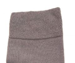 volný lem ponožek